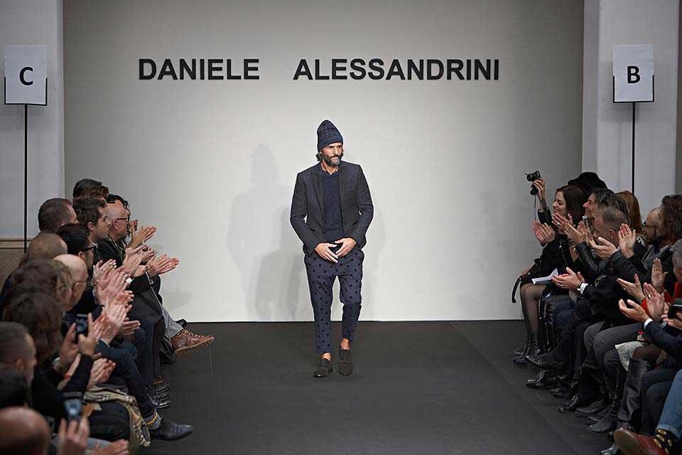 8f39b41ec3 Daniele Alessandrini | Profilo Azienda Abbigliamento Accessori Uomo ...